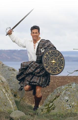 Art xx 14 Portons le tartan. Highlander de retour de bataille ou du bureau, tout à sa joie de déguster quelques lampées de Laphroaig.jpg